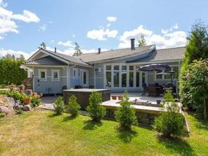 Holiday Home Villa kalliolahti..