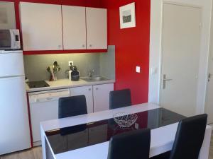 Apartment Semaphore