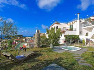 Locazione Turistica Residence La Rosa.1 - AbcAlberghi.com