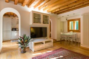 Downtown Apartment Verona - AbcAlberghi.com