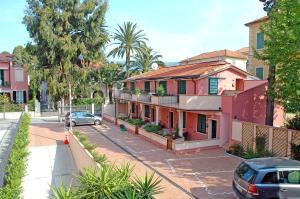 World Village Apartments - abcAlberghi.com
