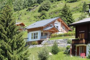 Haus Aruna - Apartment - Täsch