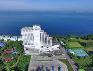 Cholchan Pattaya Beach Resort - Bang Lamung