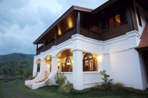 Lanna Hill House - Chae Hom