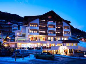 Alpen-Herz Romantik & Spa - Adults Only, Hotely  Ladis - big - 47