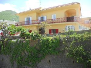 Appartamenti La Balestra - AbcAlberghi.com