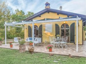 obrázek - Three-Bedroom Holiday home with a Fireplace in Città di Castello -PG-