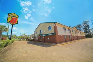 Super 8 by Wyndham Natchitoches, Motelek  Natchitoches - big - 14