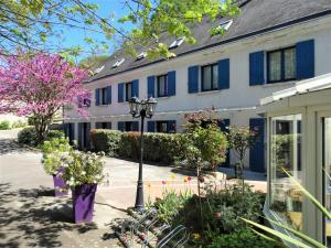 Location gîte, chambres d'hotes Castel Fleuri dans le département Indre et Loire 37