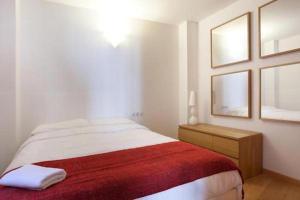 Spacious apartment for families near Park Guell