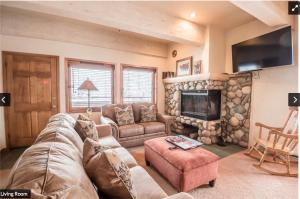 . The Christophe 704 - Great Location For Hiking & Mtn Biking! Condo