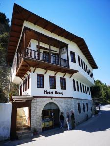 Hotel Demaj - Velabishti
