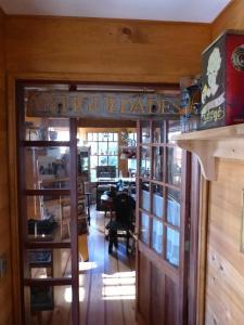 Cabañas & Cafe Lahuel, Ferienparks  Puerto Varas - big - 47