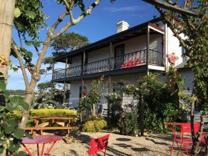 The Dragonfly Inn