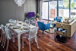 Dream Inn Apartments - City Walk Urban Lifestyle