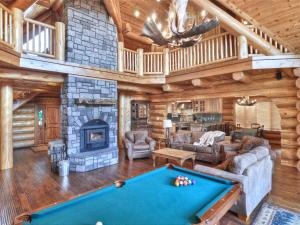 obrázek - No. 46 High Timber Log Estate Home