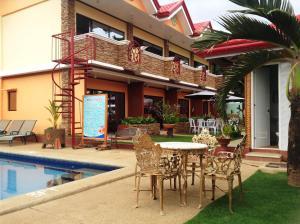 Citadel Bed and Breakfast - Puerto Princesa City
