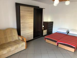 Triple Room with Extra Bed and Private Bathroom (4 Adults) Dom Goscinny Marina