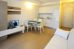Aparthotel Tiziano, Apartmánové hotely  Grado - big - 13