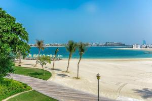 Beach front Family 2 bedrooms Apartment - Dubai