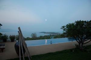 "4 Bedroom ""Child Safe"" Colonial Sea View Villa - Koh Samui"