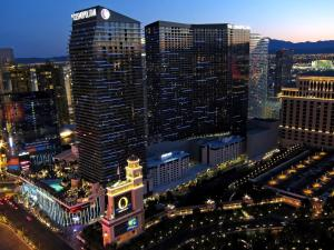Stay Together Suites on The Strip - 1 Bedroom Apartment with View 656