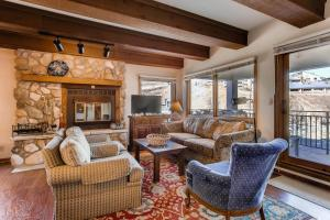 Mountain Views From This Plaza Condo - Sleeps 6 Condo - Hotel - Crested Butte