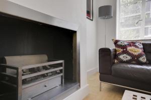 Bright 3Bed, 2.5Bath House w/Garden in Barnes, Appartamenti  Londra - big - 21