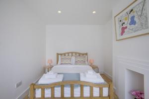 Bright 3Bed, 2.5Bath House w/Garden in Barnes, Appartamenti  Londra - big - 14