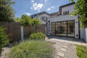Bright 3Bed, 2.5Bath House w/Garden in Barnes, Appartamenti - Londra