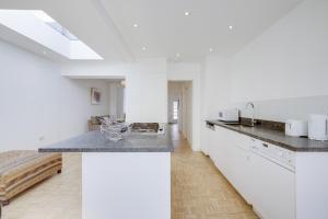 Bright 3Bed, 2.5Bath House w/Garden in Barnes, Appartamenti  Londra - big - 7