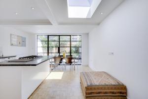 Bright 3Bed, 2.5Bath House w/Garden in Barnes, Appartamenti  Londra - big - 5