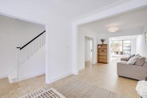 Bright 3Bed, 2.5Bath House w/Garden in Barnes, Appartamenti  Londra - big - 2