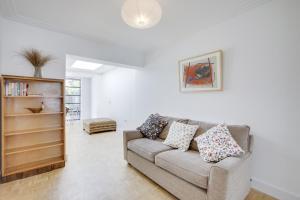 Bright 3Bed, 2.5Bath House w/Garden in Barnes, Appartamenti  Londra - big - 24