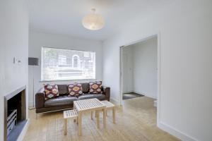 Bright 3Bed, 2.5Bath House w/Garden in Barnes, Appartamenti  Londra - big - 23