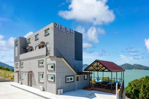 Yeosu Happiness Joy Pension