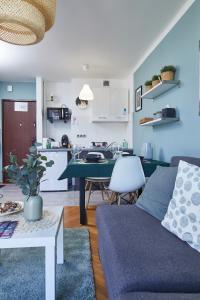 Chłodna Sky Blue Apartment