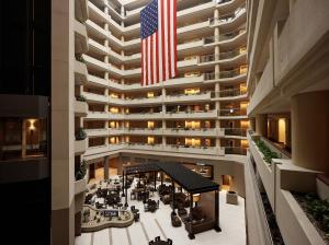 Embassy Suites Crystal City - ..
