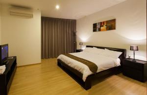Luxfort 118 Service Suites, Ferienwohnungen  George Town - big - 35