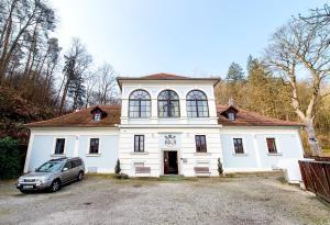 Penzion Zámecká Zahrada - Dobrkovice