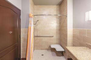 La Quinta by Wyndham Houston Bush Intl Airport E, Hotely  Humble - big - 23