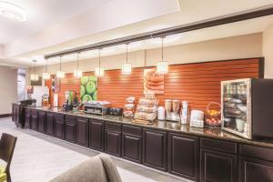 La Quinta by Wyndham Houston Bush Intl Airport E, Hotely  Humble - big - 7