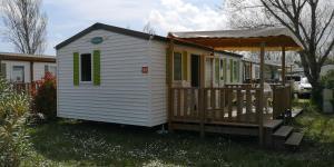 Location gîte, chambres d'hotes Camping Ensoya chalet 203 dans le département Aude 11