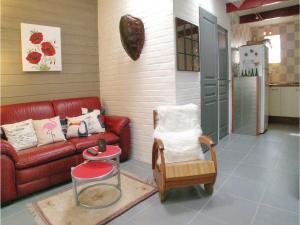 Three-Bedroom Holiday Home in La Tranche sur Mer, Holiday homes  La Tranche-sur-Mer - big - 8