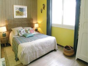 Three-Bedroom Holiday Home in La Tranche sur Mer, Holiday homes  La Tranche-sur-Mer - big - 9
