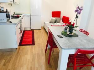 CIVICO 13° Apartment - AbcAlberghi.com