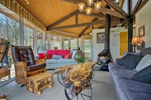 NEW - Charming Tree House at the Beech