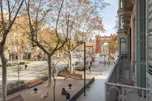 Modernist Apartment Arc de Triomf