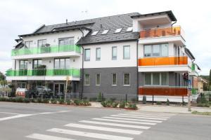 Németh Apartmanok, Apartmány  Sárvár - big - 47