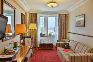 Golden Ring Hotel (6 of 48)